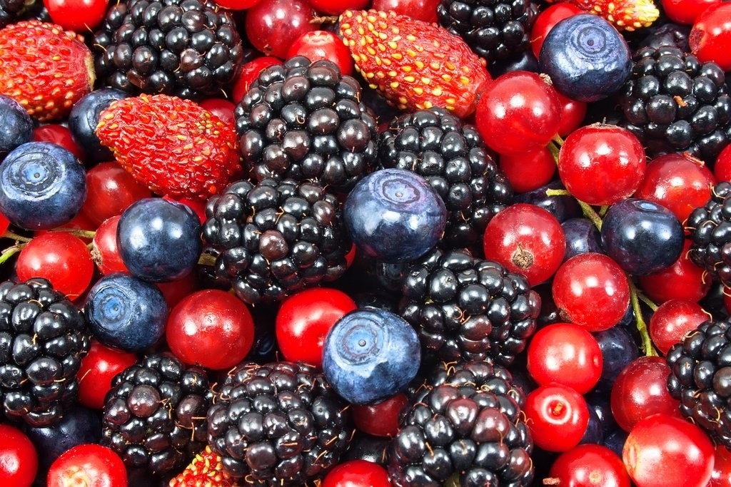 Fruit and Veg Berries shutterstock_113129620