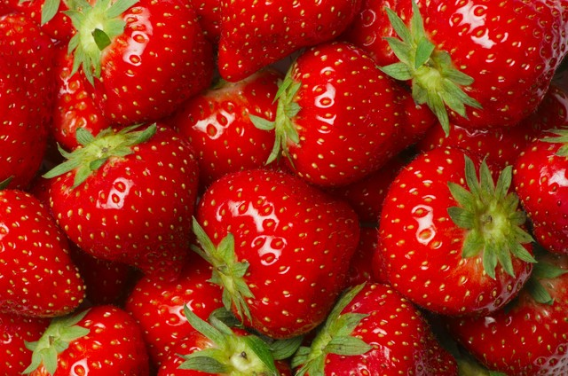 Fruit and Veg Strawberry shutterstock_117762442