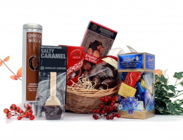 Who's not a chocolate lover? This hamper contains drinking chocolate, chocolate cake and a selection of other chocolate treats. Presented in a wicker basket that can be kept and used again.