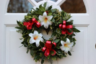 Create a fantastic Christmas wreath to hang on your front door!
